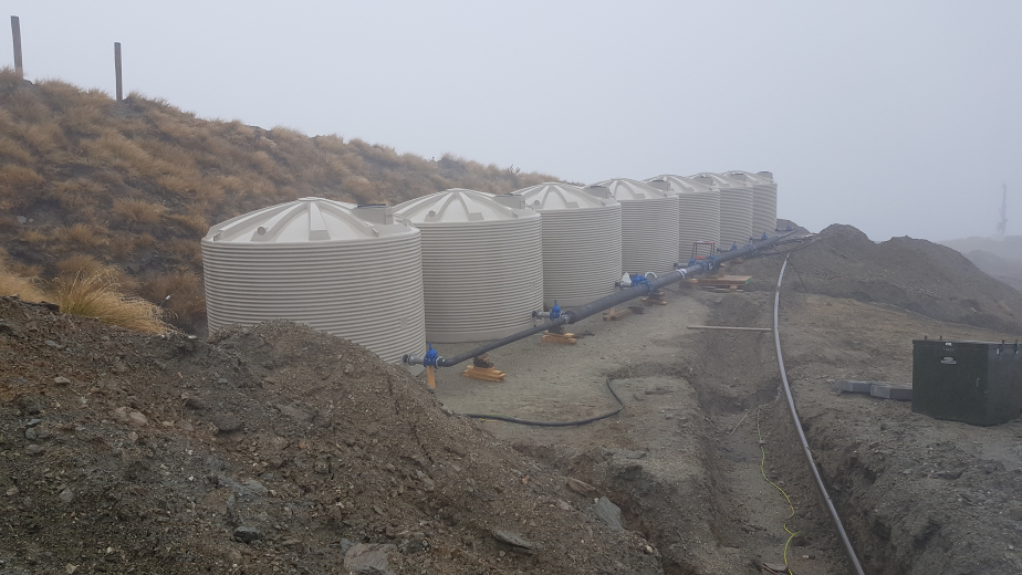 Insulated Tanks with Internal Snow Frames